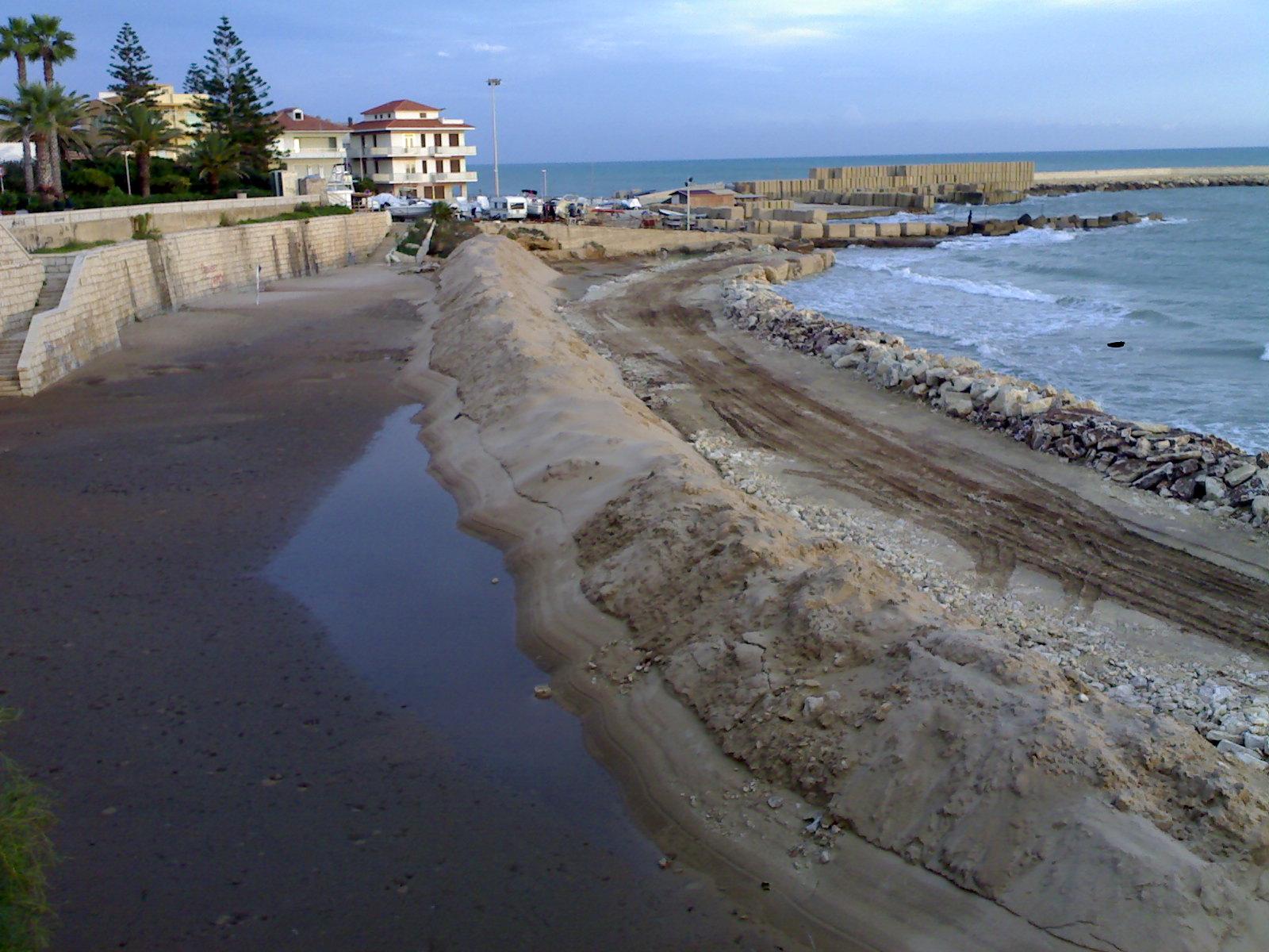 0bd9ff04a0 Ibla Blog - Il Porto a Marina di Ragusa  Contraddizioni